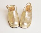 Vintage 60s 70s MOD Gold PLATFORMS / Slingback High Heel Sandals, 9