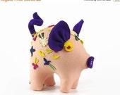On Sale Vintage Stuffed Pig Toy, Felt Pig Toy, Stuffed Animal, Peg Wentling Doll, Folk Art