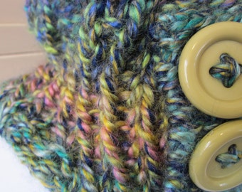 Compact Cowl-Neck Warmer.