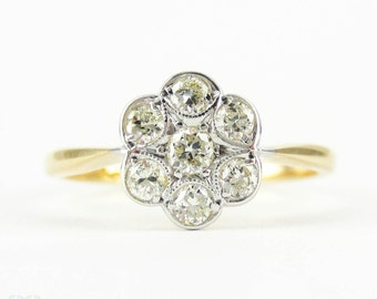 Vintage Daisy Engagement Ring, Flower Shape Diamond Cluster Ring. Circa 1940s, 18 Carat & Platinum.