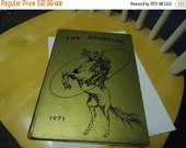 Independence Day Sale Vintage 1971 The Round-Up Oak Forest Elementry School yearbook, Vidor Texas, hardback, collectable