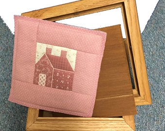 """Vintage Oak Keepsake Box from Tennessee Woodcrafters with Removable Pink Quilted House Insert, 7"""" Square"""