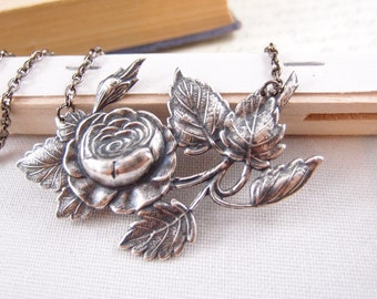 Beautiful blossom flower motif necklace, aged silver brass, Victorian, goth,vintage