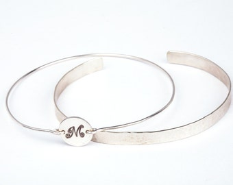 initial disc cuff bangle bracelet,monogram best friends bracelet, initial disc bangle bracelet,bar bangle bracelet,Silver or Gold