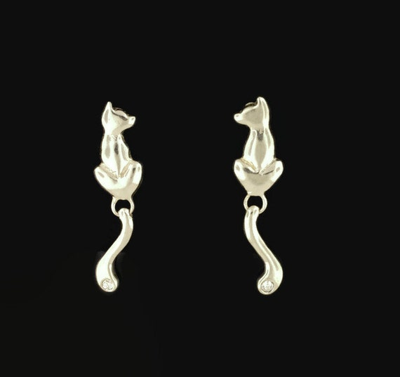 Final Fantasy XIII-2 Sarah Cat Earrings in Sterling Silver