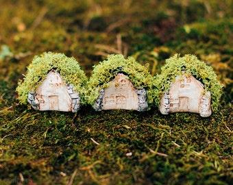 Miniature Moss Roof Clay Turf House Handmade