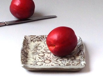 Small Square Flannel Flower Plate