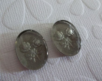 Black Diamond Two Roses Glass Cabochons - Reverse Carved Intaglio Cameos - 18 X 13mm  - Made in Germany - Qty 2