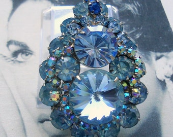 DeLizza and Elster a/k/a Juliana Tiered London Blue Rivoli and Aurora Borealis Brooch Pendant BOOK PIECE