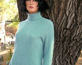 CLASSIC CASHMERE PREPPY  Heather Aqua  TurtleNeck Sweater 36 Bust 34 hip Perfect for Fall