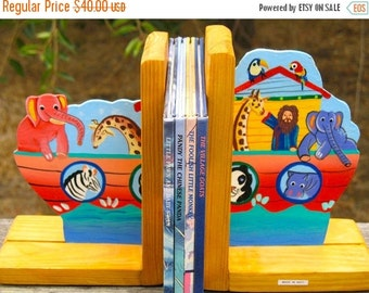 Colorful Folk Art Cottage Chic Shabby Chic NOAH'S ARK  Book Ends Hand Made Hand Painted in Haiti Great For a Kids Room