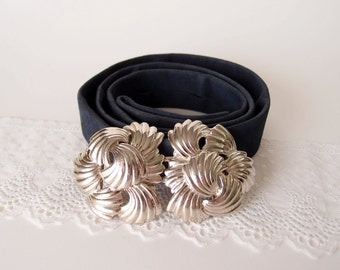 vintage Mimidin belt / 1984 Mimi Di N silver leaf buckle with navy blue strap ... fits 22 - 35