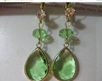 Sale Tear Drop Peridot Green Earrings Leverback (E482)