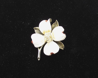 Vintage White Flower Brooch Painted Metal Retro Lapel Sweater Pin Floral Brooch