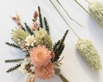 Sweet Spring Boutonnière // Dried Flowers // Flower Boutonnière