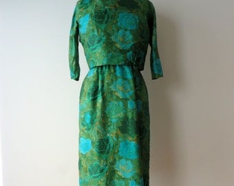 Vintage 1950's Dress Medium/50's Green Floral Silk Wiggle Dress/Green Wiggle dress/Green Fitted Dress/Rosette Trim/50's Green Wiggled Dress
