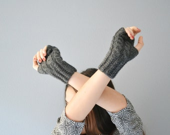 Knit gray gloves for winter, fingerless mittens in black wool for women