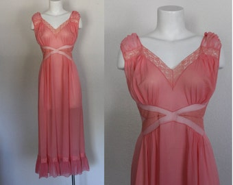 Vintage 1960s Pink Night Gown / Vintage 1960s Lingerie Nightgown / Long Pink Lace Nightgown / Chiffon Negligee / Size Medium
