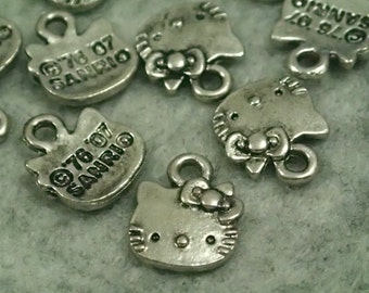 Antique Silver Hello Kitty Head Pendant/Charms - 20pcs