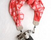 scarf camera strap tie-dye pink - BCSCS050