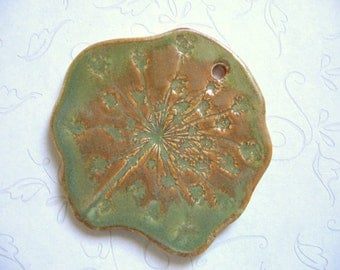Stain Glass Queen Anne's Lace Pottery Pendant