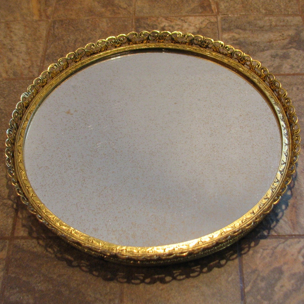 Vintage petite vanity tray small round mirror gold fleck for Small gold mirror