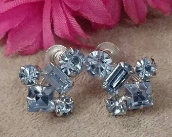 CORO Blue Rhinestone Earrings, Exquisite Style, Screw On, Silver Setting, Excellent Condition, FREE SHIPPING