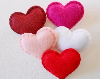 Felt Hearts - Red and Pink Puffy Hearts -  Little Bowl Fillers - Small Heart Ornaments - Heart Embellishments
