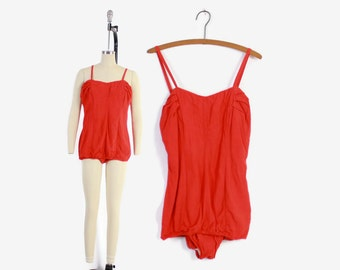 Vintage 50s Ruched SWIMSUIT / 1950s Bright Red Rockabilly Plus Size Pin-Up Bathingsuit L