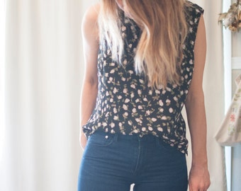 unique sleeveless floral print top small