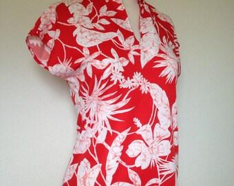 1970s tropical floral red white top, palm leaf print, 70s cap sleeve polyester blouse, asian mandarin collar, Tiki Oasis, Mardi Modes medium