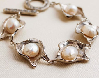 White Pearl & Silver Shells Bracelet - Asian Sea Pearls, Blister, Natural