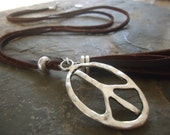 Long PEACE Boho LEATHER CHAIN necklace in saddle brown (1739)