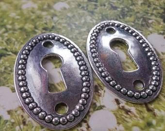 Keyhole Bracelet Connectors Steampunk Key Hole Pendants Antiqued Silver Lock Pendants 4 pieces