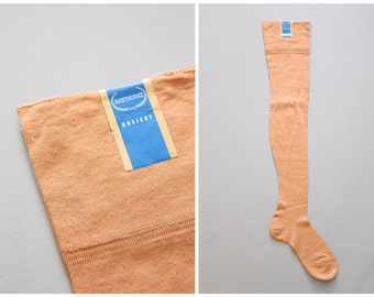 20s apricot cotton flapper stockings - back seam & french heels / 1920s hosiery - peach Gatsby stockings / antique 20s seamed hosiery
