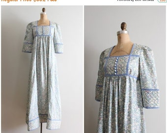 20% SALE 70s silk Liberty of London floral print dressing gown - English floral nightgown / 1970s - made in England / powder blue velvet rib