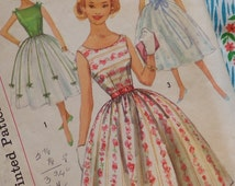 Vintage 1950s Sewing Pattern / Adorable Full Skirt Prom Party Dress / Simple to Make / Size 12 - 32 Bust / Teen
