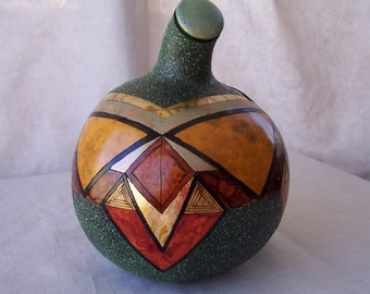 Large gourd box with wood burn geometric shapes. 1906.