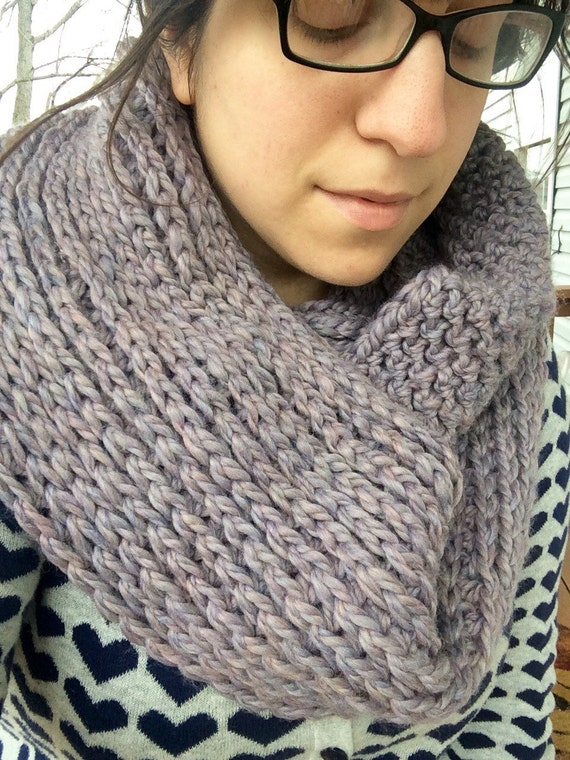 Cozy Crochet Infinity Scarf / Iris Heather Purple Scarf / Ribbed ...
