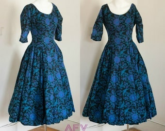 1950s Full Skirt New Look Scarf Print Party Dress in Blue, Black, and Purple S