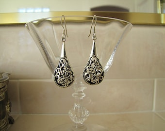 3D Filigree Sterling Silver dangle Earrings