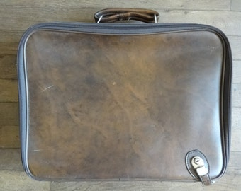 Vintage English Small Medium Brown Travel Carry Case Suitcase Holdall Carrier circa 1960-70's / English Shop