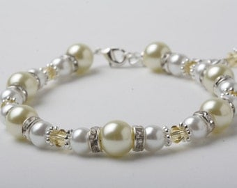 Pale Yellow wedding Bracelet, Pale yellow Wedding Jewelry, Yellow Pearl Bracelet, Bridesmaid Gift, Mother of the bride gift, Bridal bracelet