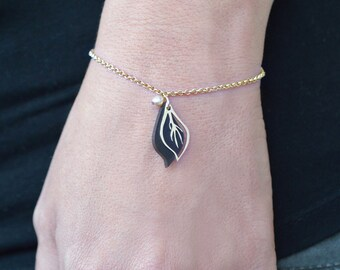 Leaf bracelet, small black leaf bracelet, charm bracelet, Acrylic and gold ,laser cut jewelry, dainty leaf bracelet, woodland jewelry.