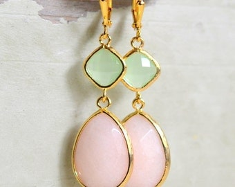 Blush and Mint Bridemaid Earrings in Gold. Dangle Earrings.  Drop. Gift Jewelry. Wedding Jewelry.