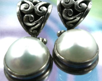 Vintage Post Earrings : Sterling 925 Silver  w/ Hinged Pearl At The Bottom  (88.102)