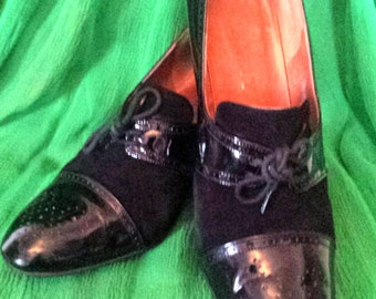 Vintage c1940s Bally Court Shoes Black Suede and Patent leather Lace up high heels, leather upper outer-sole UK 6 US 8 EUR 39