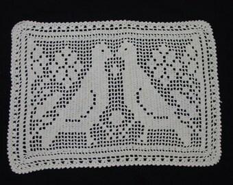 Sweet Vintage Filet Crochet Table Mat, Doily, Pair of Lovebirds, Crafts