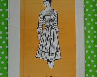 Vintage Pattern c.1960's Mail Order Printed Pattern, Dress, Size 12 Bust 34