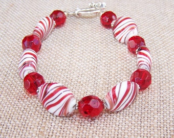 Red and white beaded bracelet, Candy Cane bracelet, Red and white striped Holiday bracelet